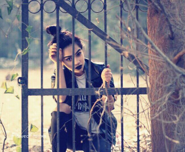 Nose ring, nose peircing, black lips, black lip stick, dark lips, Grunge fashion, grunge lookbook, punk fashion, teen fashion, girls fashion, women's fashion, grunge female, leather jacket, ripped denims, zara leather jacket, h&m tees, Indian fashion blogger, Ankita Bardhan, Valentine's Day, fashion blogger, beauty blogger, grunge accessories, messy hair bun, jet black heart, dark makeup,