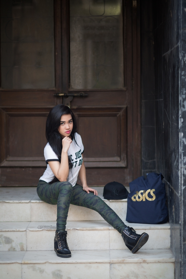 Ankita Bardhan, Makeup Style and Sugar, Minimalism, Only, Army leggings, Only leggings, Aldo, Aldo sneaker wedges, Aldo ankle boots, quote tees, monochrome tee, Ankita, camouflage print