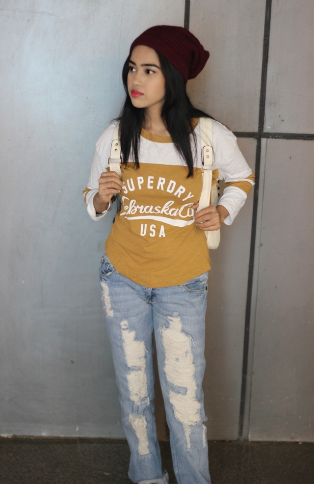 Ankita Bardhan, Makeup Style and Sugar, 5 ways to wear denims, Hipster Kid, Hipster look, ripped jeans, Superdry tee, ootd, different ways to style jeans